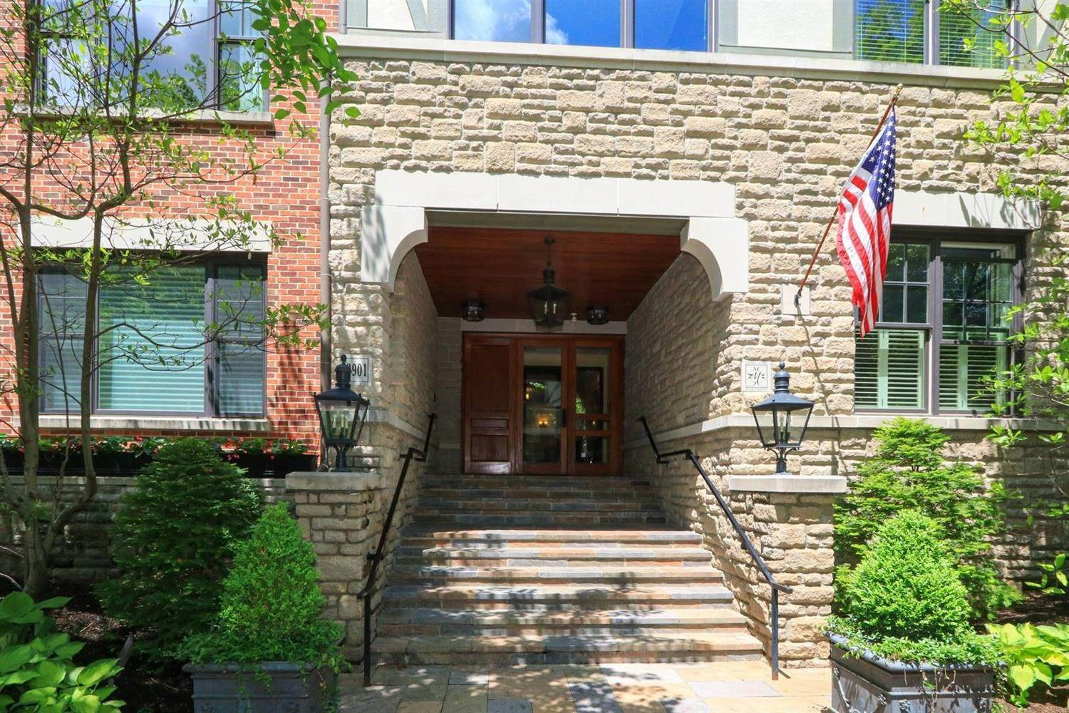 12. Condominiums at 3901 West Street Mariemont, Ohio 45227 United States