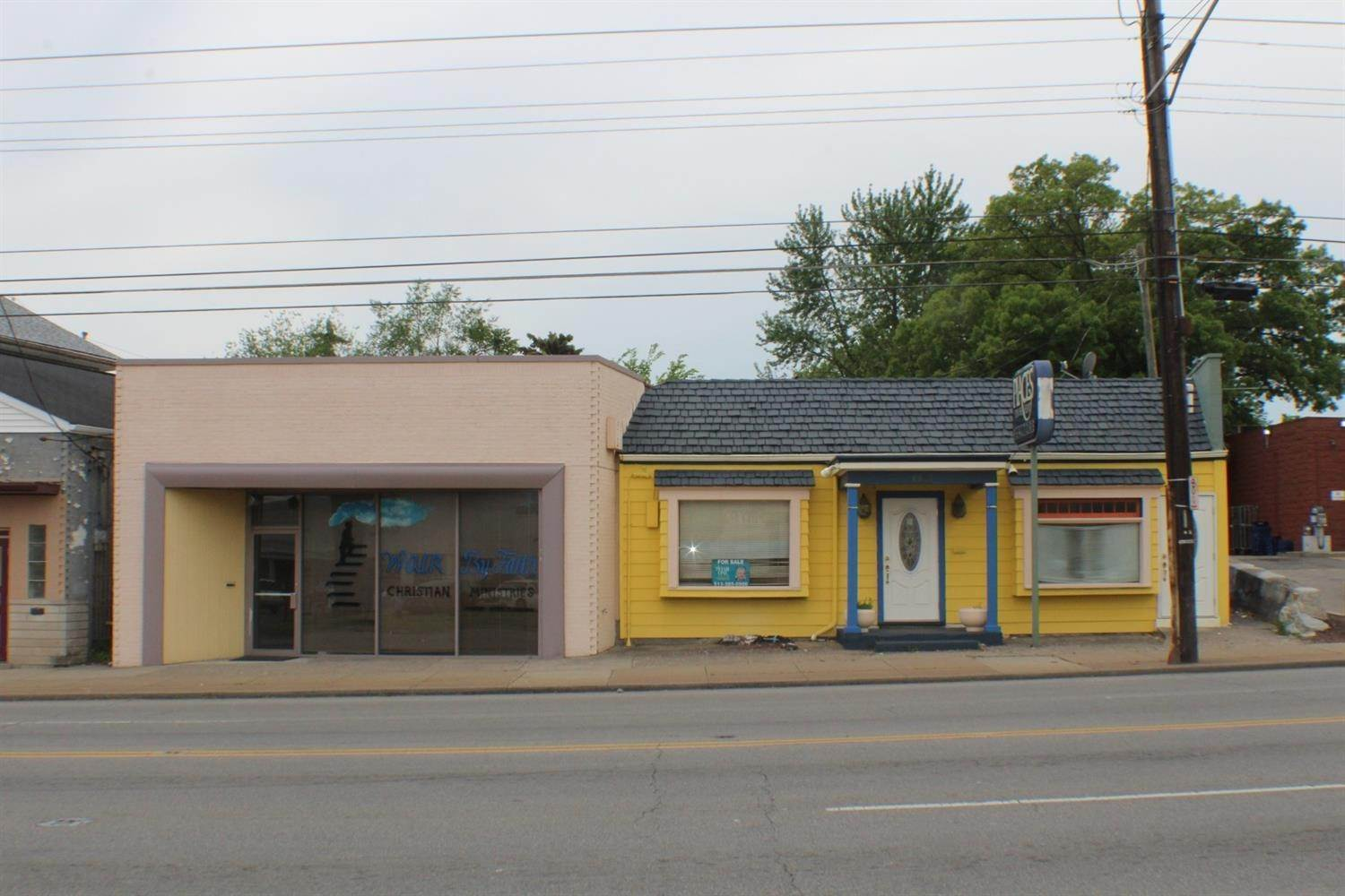Commercial for Sale at 6805 Hamilton Avenue North College Hill, Ohio 45224 United States