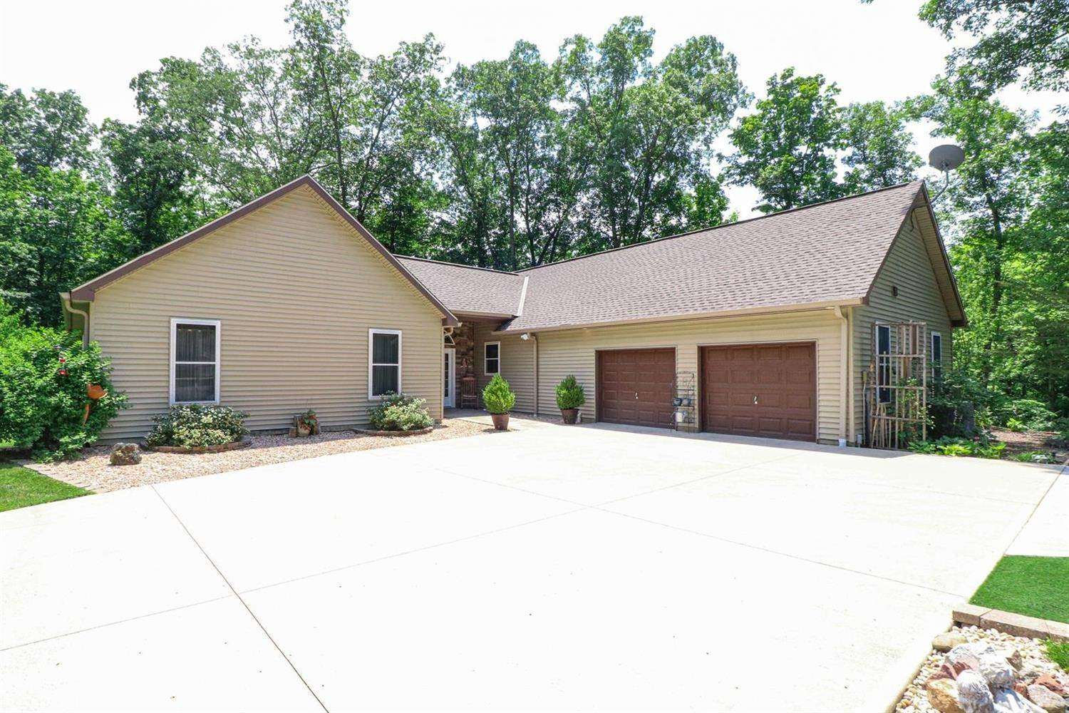 Single Family Homes por un Venta en 3792 Cain Run Road Williamsburg Township, Ohio 45103 Estados Unidos