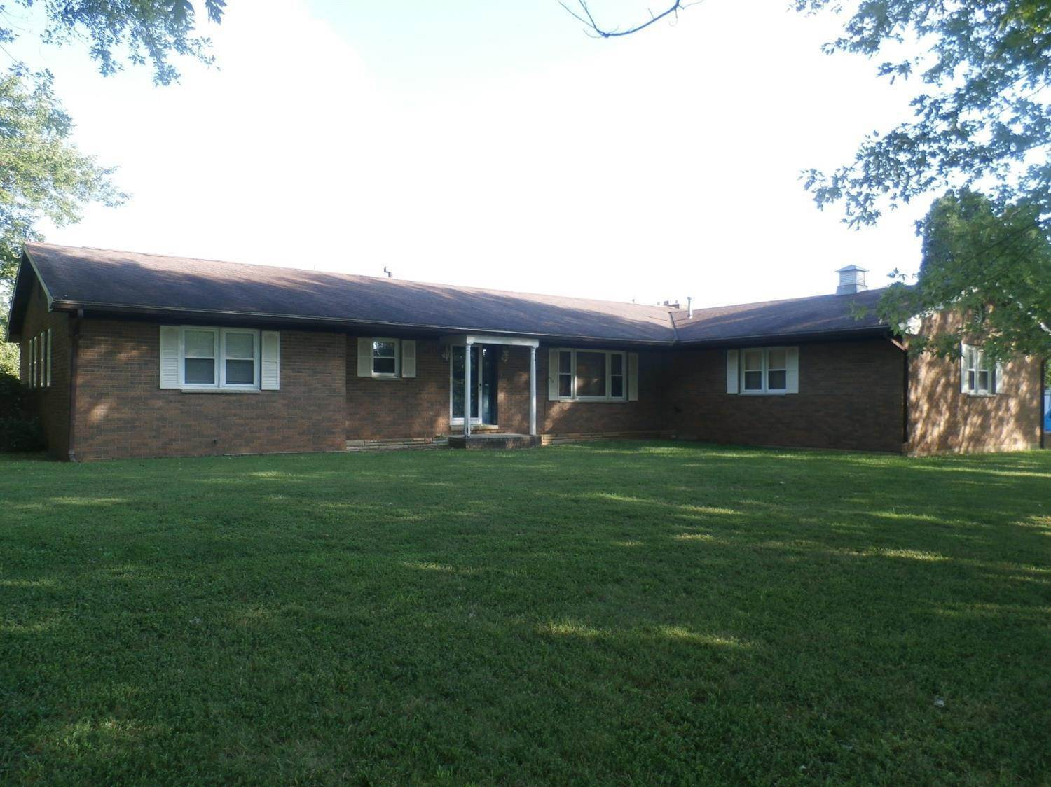 Single Family Homes por un Venta en 345 Randy Street West Union, Ohio 45693 Estados Unidos