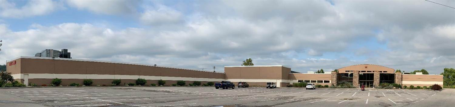 Comercial por un Venta en 3761 Round Bottom Road Newtown, Ohio 45244 Estados Unidos