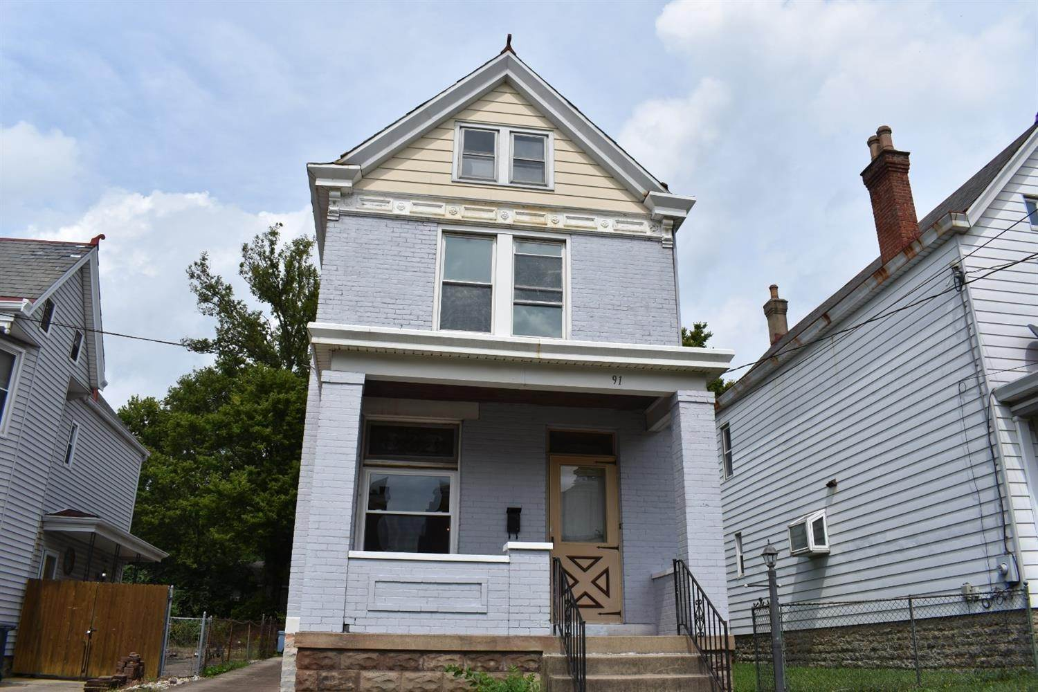 Single Family Homes por un Venta en 91 Albert Street St. Bernard, Ohio 45217 Estados Unidos