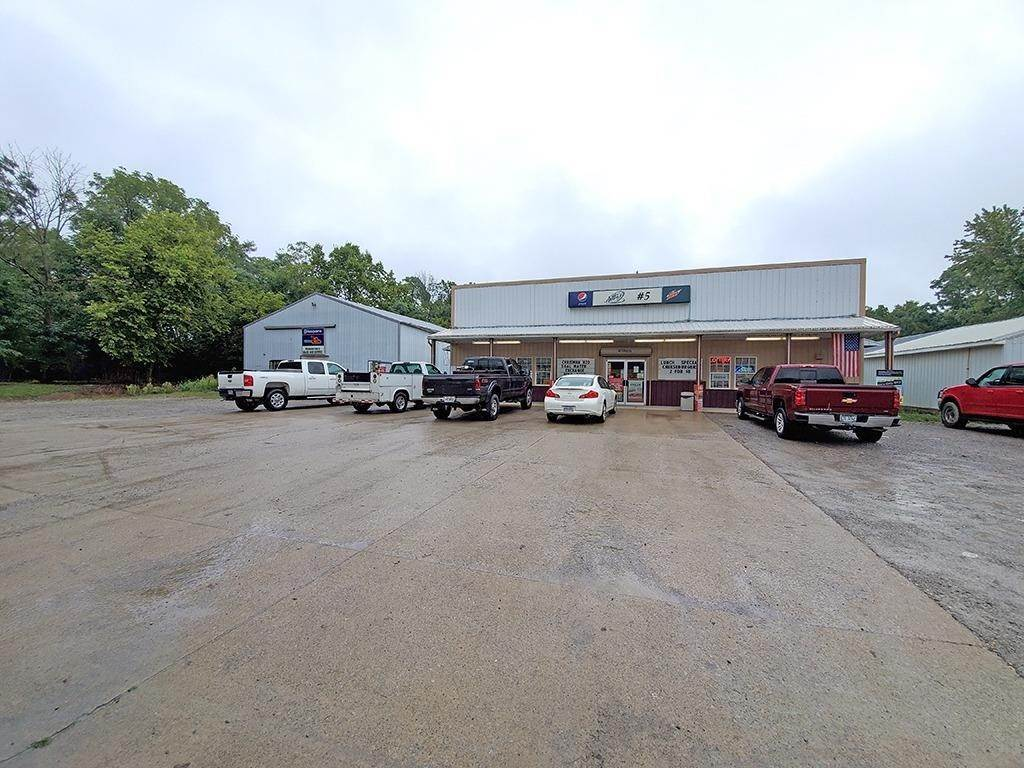 Commercial for Sale at 117 Greenfield Sabina Road Perry Township, Ohio 45123 United States