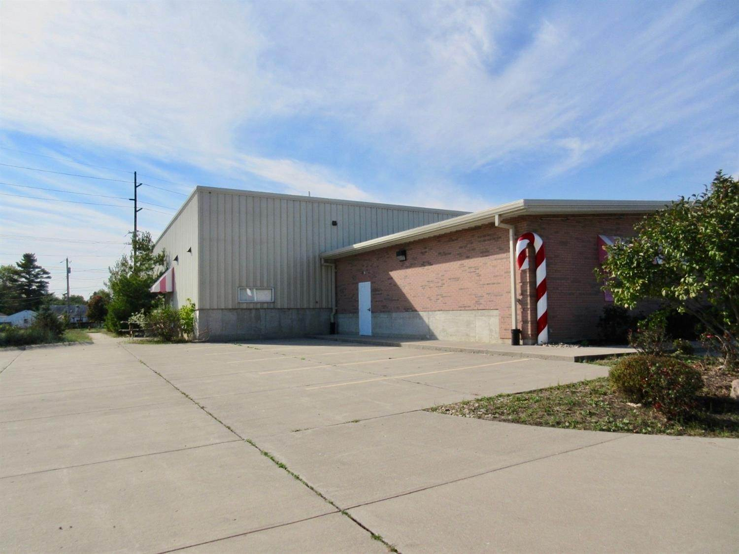 Commercial for Sale at 3665 Dixie Highway Hamilton, Ohio 45015 United States