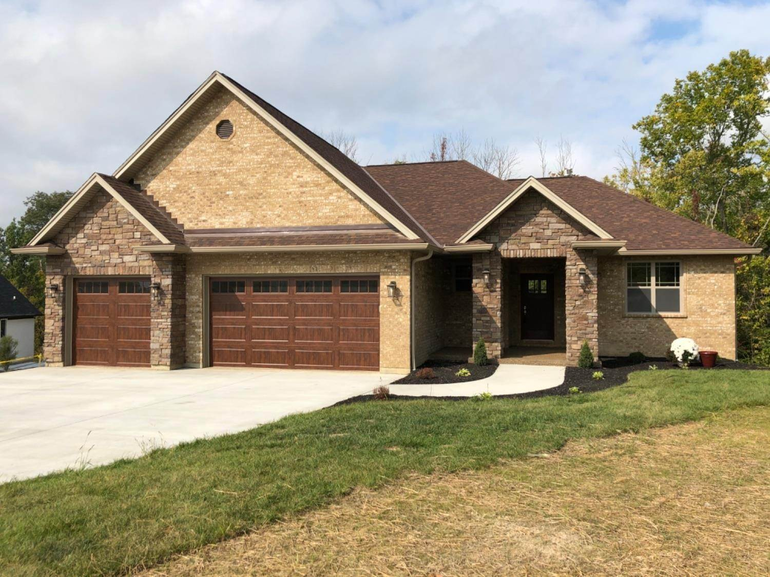 Single Family Homes for Sale at 9801 Islandview Lane Colerain Township, Ohio 45252 United States