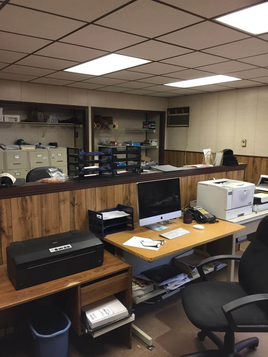 5. Commercial for Sale at 3116 Spring Grove Avenue Cincinnati, Ohio 45225 United States