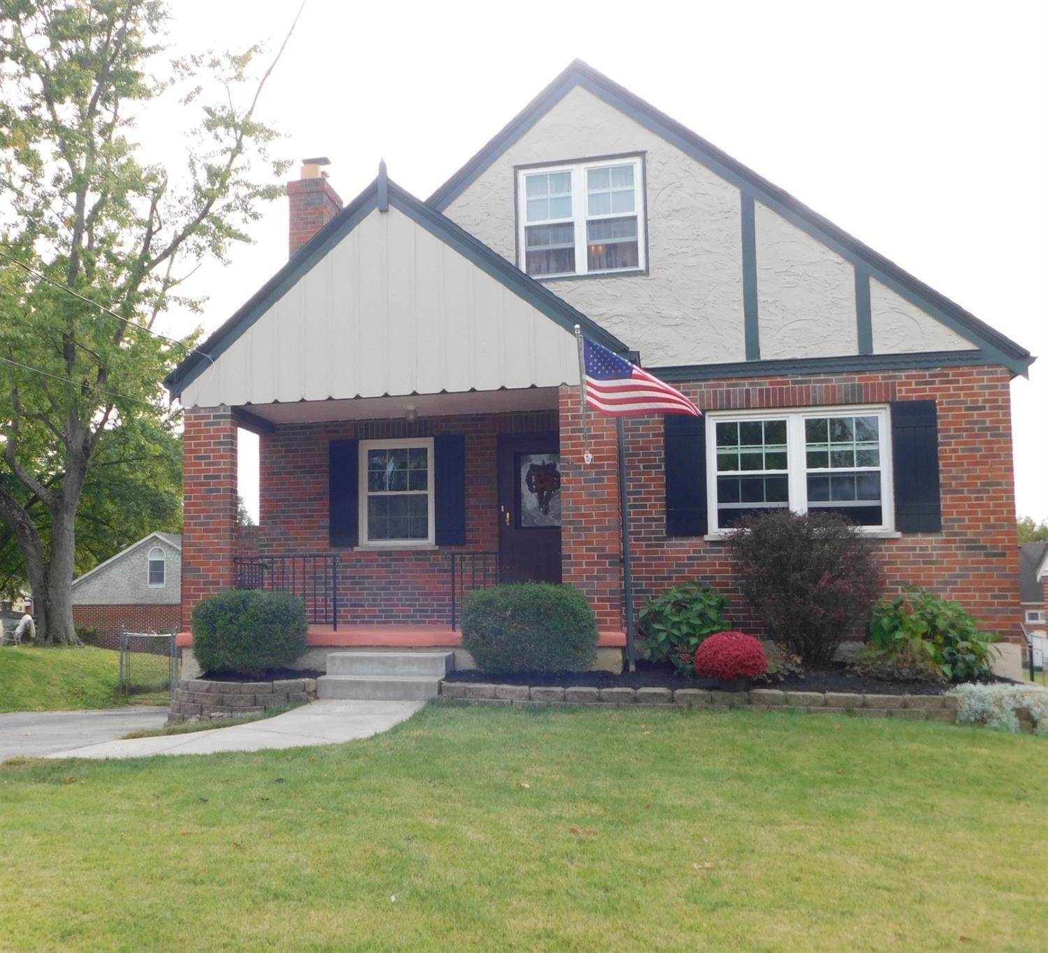 Single Family Homes por un Venta en 3819 Meadowlark Lane Fairfax, Ohio 45227 Estados Unidos