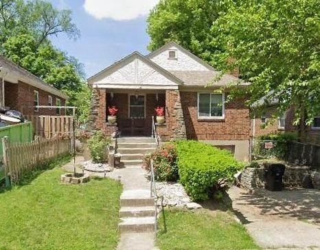 Single Family Homes for Sale at 1564 Elizabeth Place Cincinnati, Ohio 45237 United States