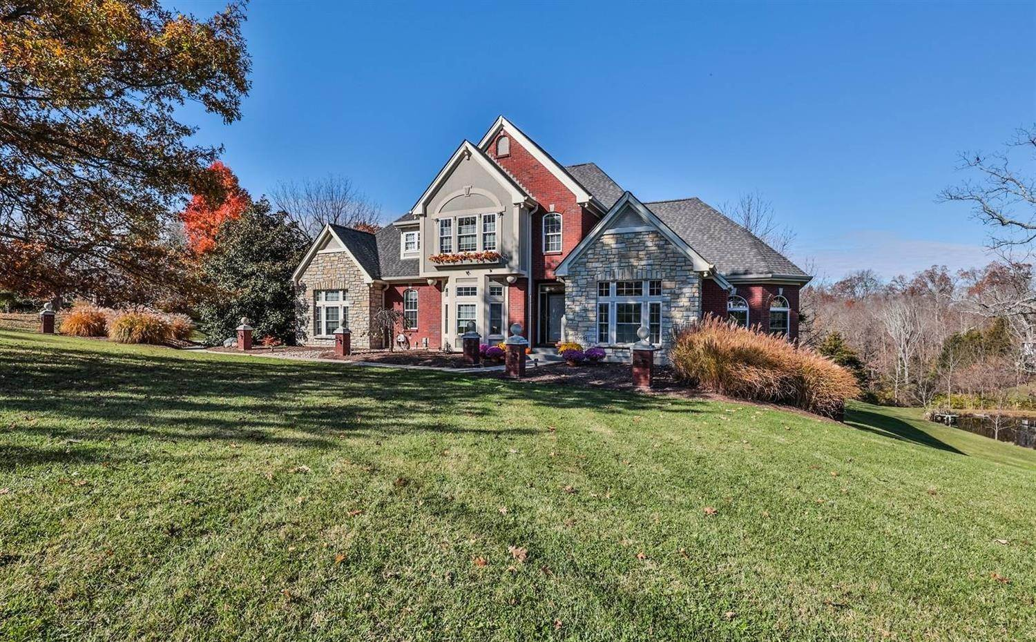 Single Family Homes 为 销售 在 10891 New Biddinger Road Harrison Township, 俄亥俄州 45030 美国