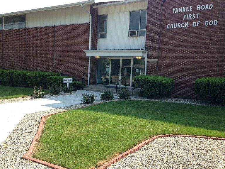 Commercial for Sale at 3029 Yankee Road Middletown, Ohio 45044 United States