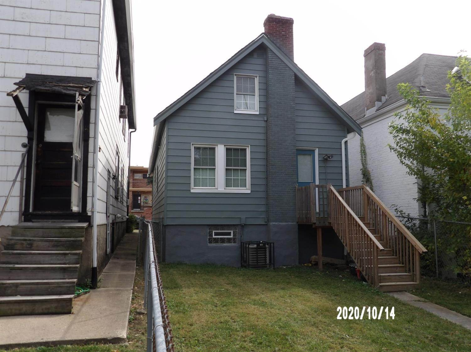 3. Single Family Homes for Sale at 6657 Vine Street Cincinnati, Ohio 45216 United States
