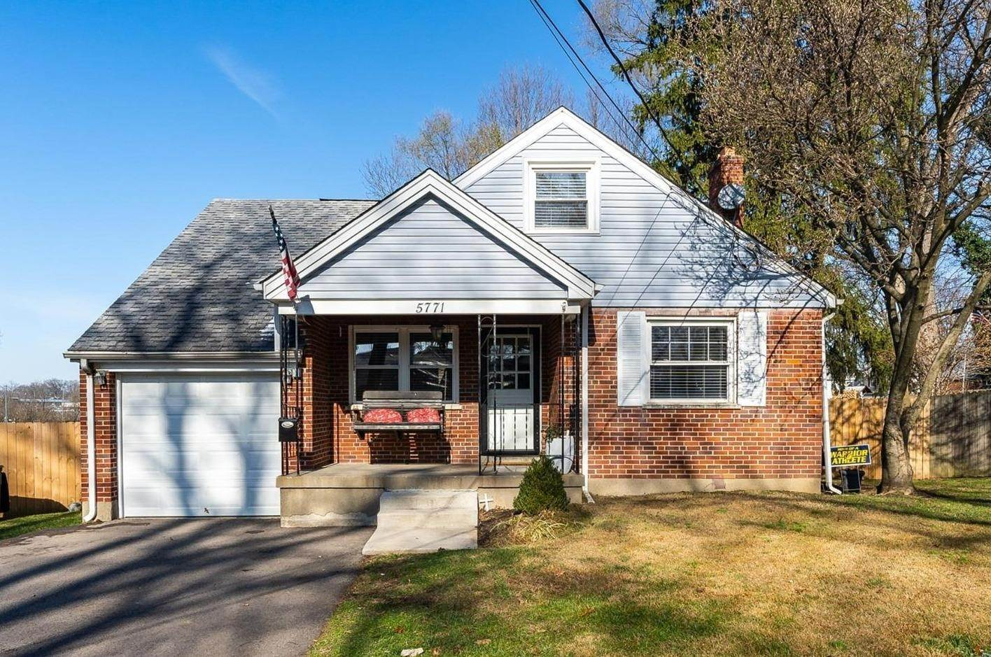 Single Family Homes por un Venta en 5771 Oriole Court Fairfax, Ohio 45227 Estados Unidos