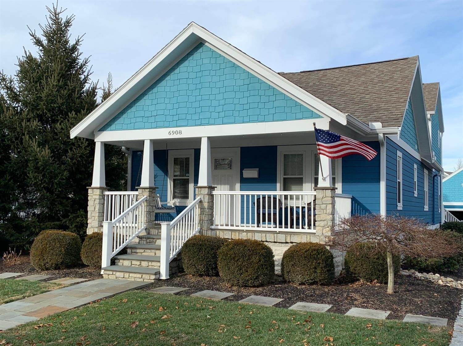 Single Family Homes por un Venta en 6908 Ragland Road Newtown, Ohio 45244 Estados Unidos