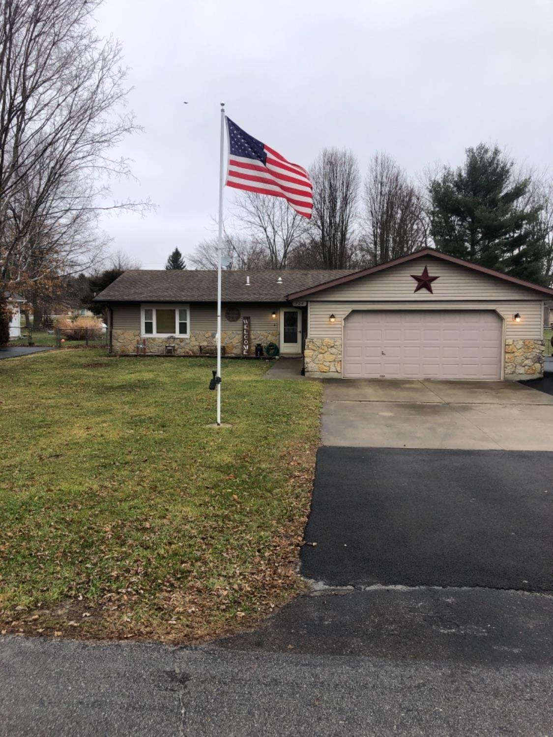 Single Family Homes for Sale at 726 Blackfoot Trail Jamestown, Ohio 45335 United States