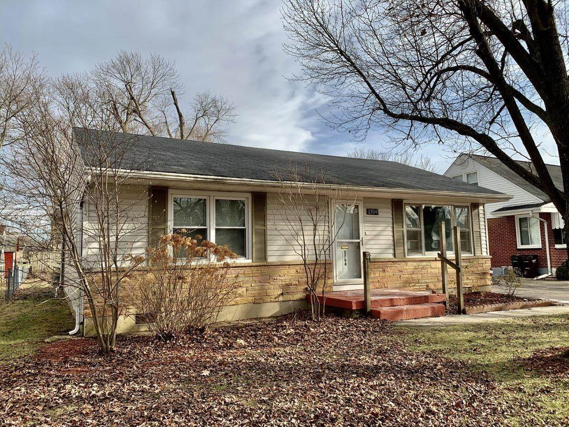 Single Family Homes for Sale at 2704 Wehrly Avenue Kettering, Ohio 45419 United States