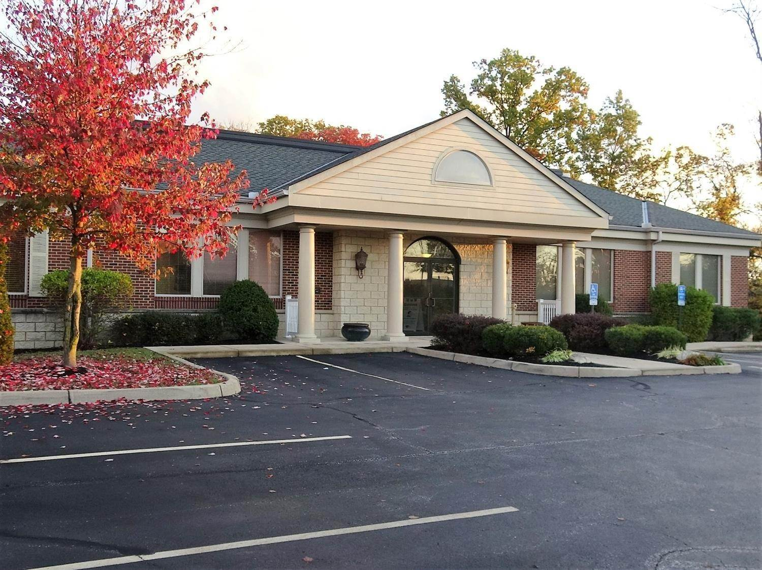 Commercial for Sale at 5240 E Galbraith Road Sycamore Twp, Ohio 45236 United States