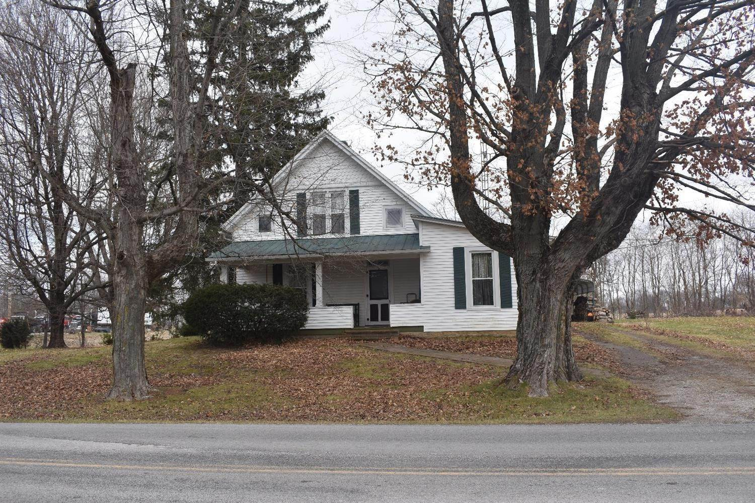 Single Family Homes for Sale at 5931 E New Market Road New Market, Ohio 45133 United States