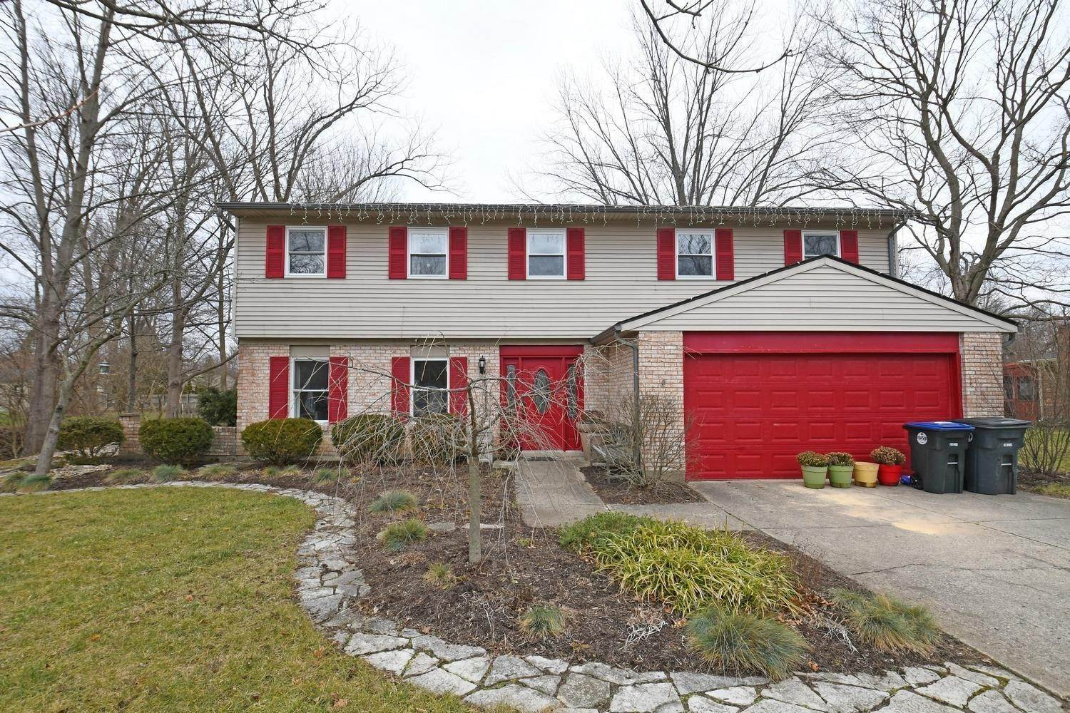 Single Family Homes for Sale at 221 Marsha Jeanne Way Centerville, Ohio 45458 United States