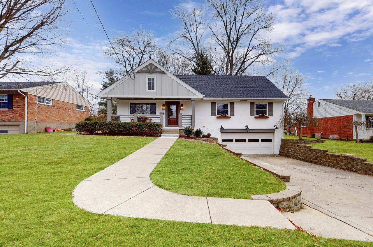 Single Family Homes por un Venta en 9128 Shadetree Drive Sycamore Twp, Ohio 45242 Estados Unidos