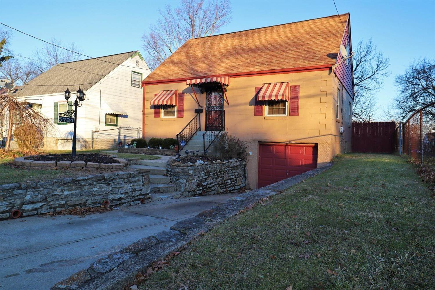 4. Single Family Homes for Sale at 5734 Argus Road Cincinnati, Ohio 45224 United States