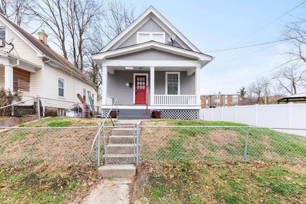 11. Single Family Homes for Sale at 5622 Prentice Street Cincinnati, Ohio 45227 United States