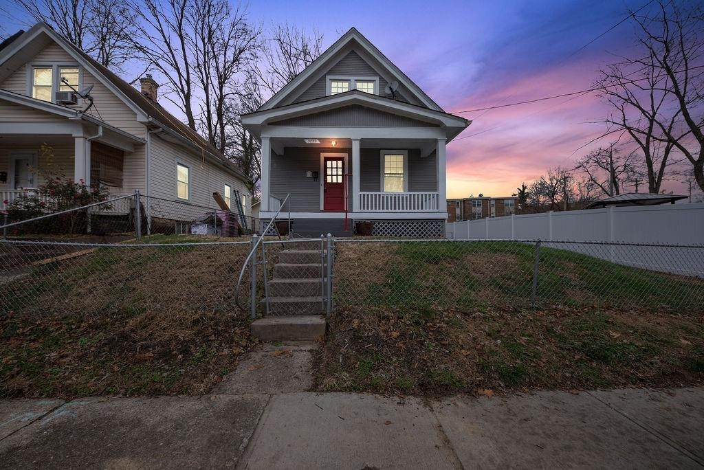 13. Single Family Homes for Sale at 5622 Prentice Street Cincinnati, Ohio 45227 United States