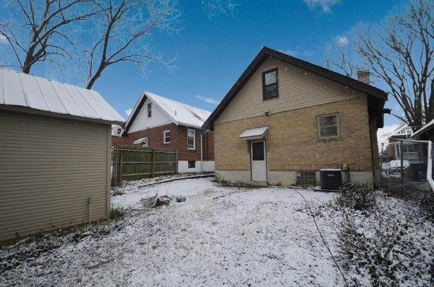 12. Single Family Homes for Sale at 6818 Hurd Avenue Cincinnati, Ohio 45227 United States