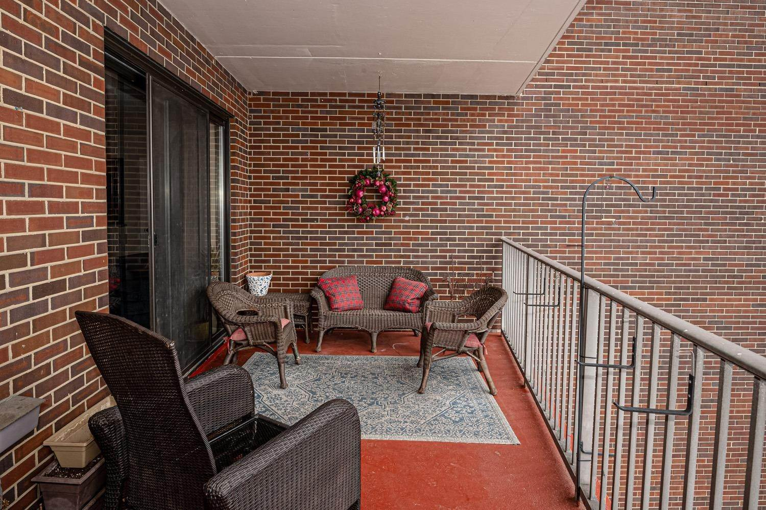 9. Condominiums for Sale at 5300 Hamilton Avenue Cincinnati, Ohio 45224 United States