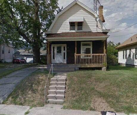 3. Single Family Homes for Sale at 1564 Elizabeth Place Cincinnati, Ohio 45237 United States
