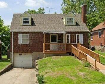 4. Single Family Homes for Sale at 1564 Elizabeth Place Cincinnati, Ohio 45237 United States