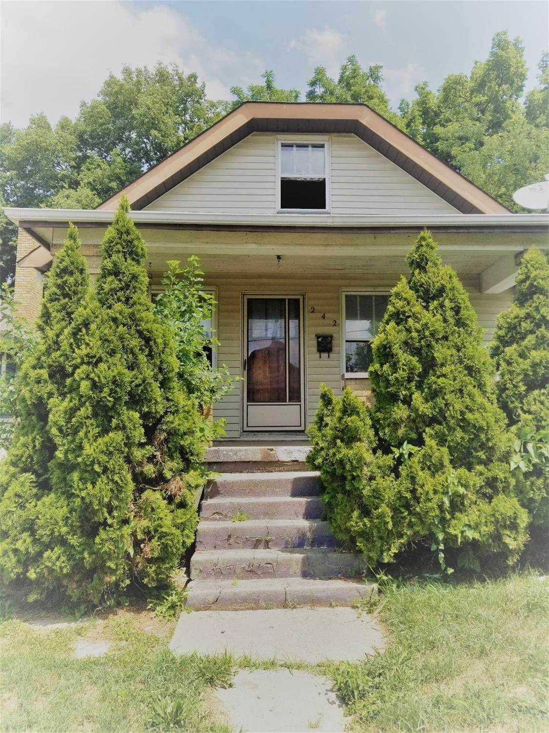 Single Family Homes for Sale at 242 W Seventy Third Street Cincinnati, Ohio 45216 United States