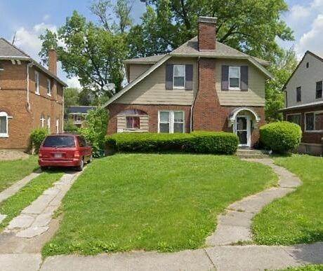 19. Single Family Homes for Sale at 1564 Elizabeth Place Cincinnati, Ohio 45237 United States