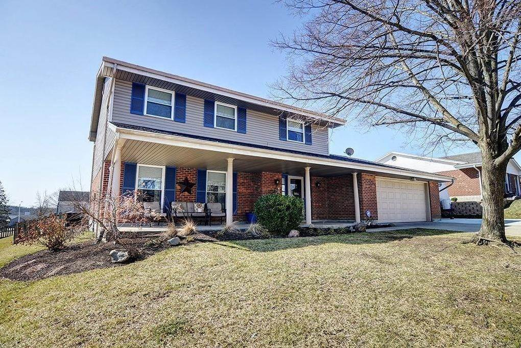 Single Family Homes 为 销售 在 2134 Sherwood Forest Drive Miamisburg, 俄亥俄州 45342 美国
