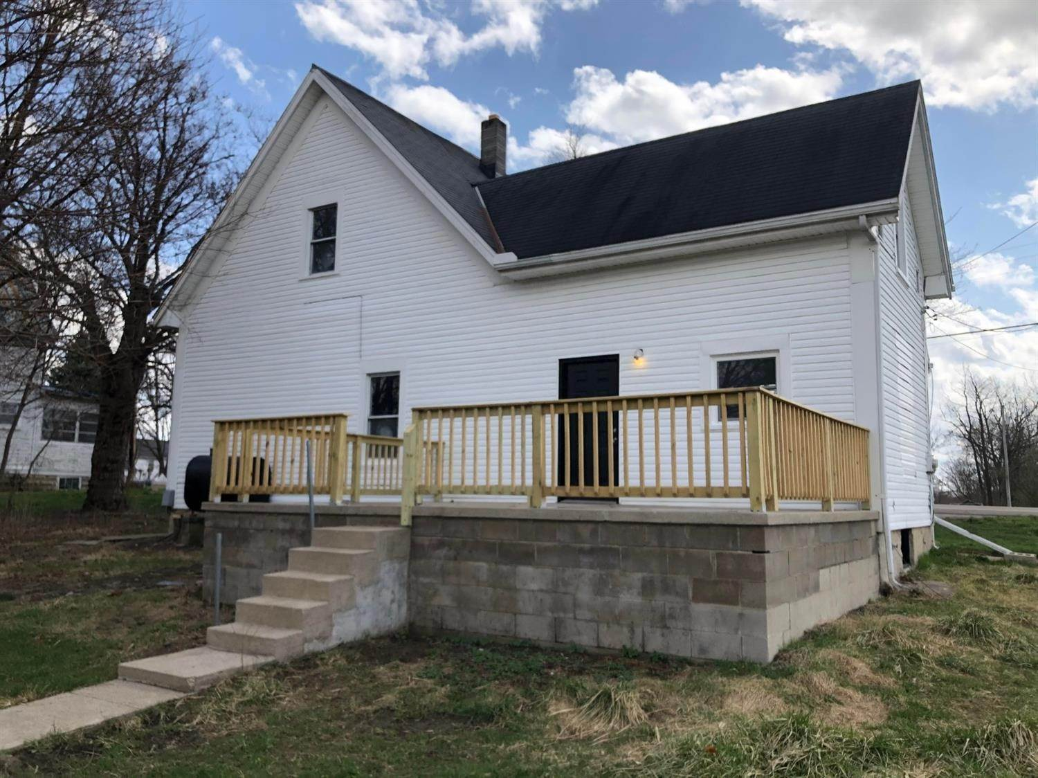Single Family Homes por un Venta en 57 W Main Street Martinsville, Ohio 45146 Estados Unidos