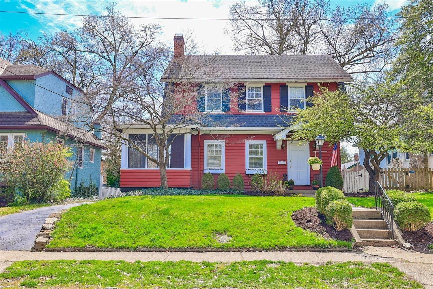 10. Single Family Homes for Sale at 3325 Lambert Place Cincinnati, Ohio 45208 United States