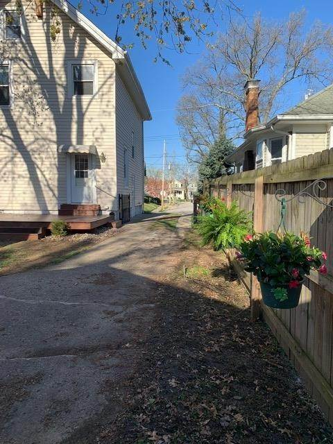 17. Single Family Homes for Sale at 4122 Twenty Eighth Street Cincinnati, Ohio 45209 United States