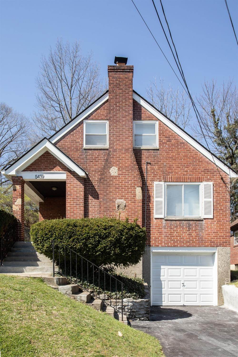 2. Single Family Homes for Sale at 5439 Newfield Avenue Cincinnati, Ohio 45237 United States