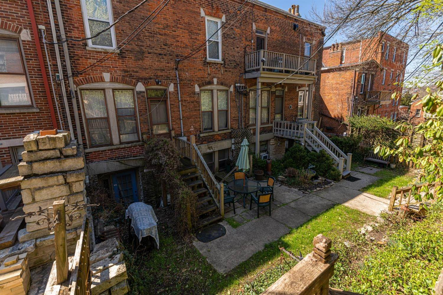 12. Condominiums for Sale at 928 Morris Street Cincinnati, Ohio 45206 United States