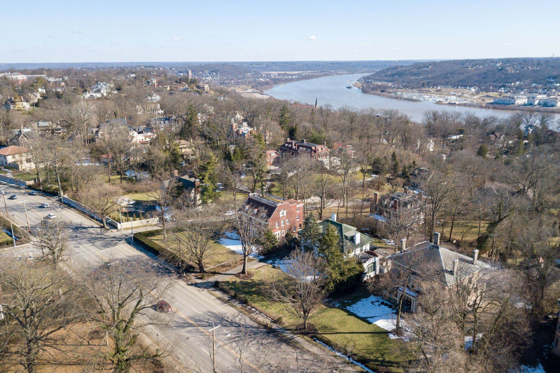 50. Single Family Homes for Sale at 1865 Madison Road, Cincinnati, OH 45206 1865 Madison Road Cincinnati, Ohio 45206 United States
