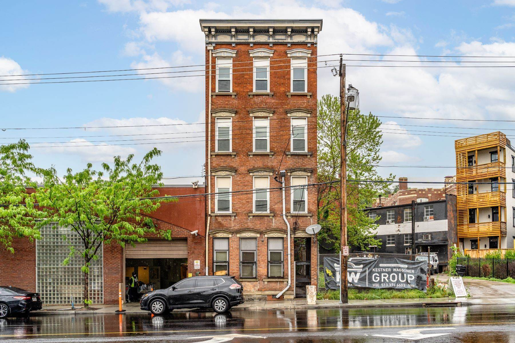 Multi-Family Homes for Sale at 118 East Liberty Street, Cincinnati, OH 45202 118 East Liberty Street Cincinnati, Ohio 45202 United States