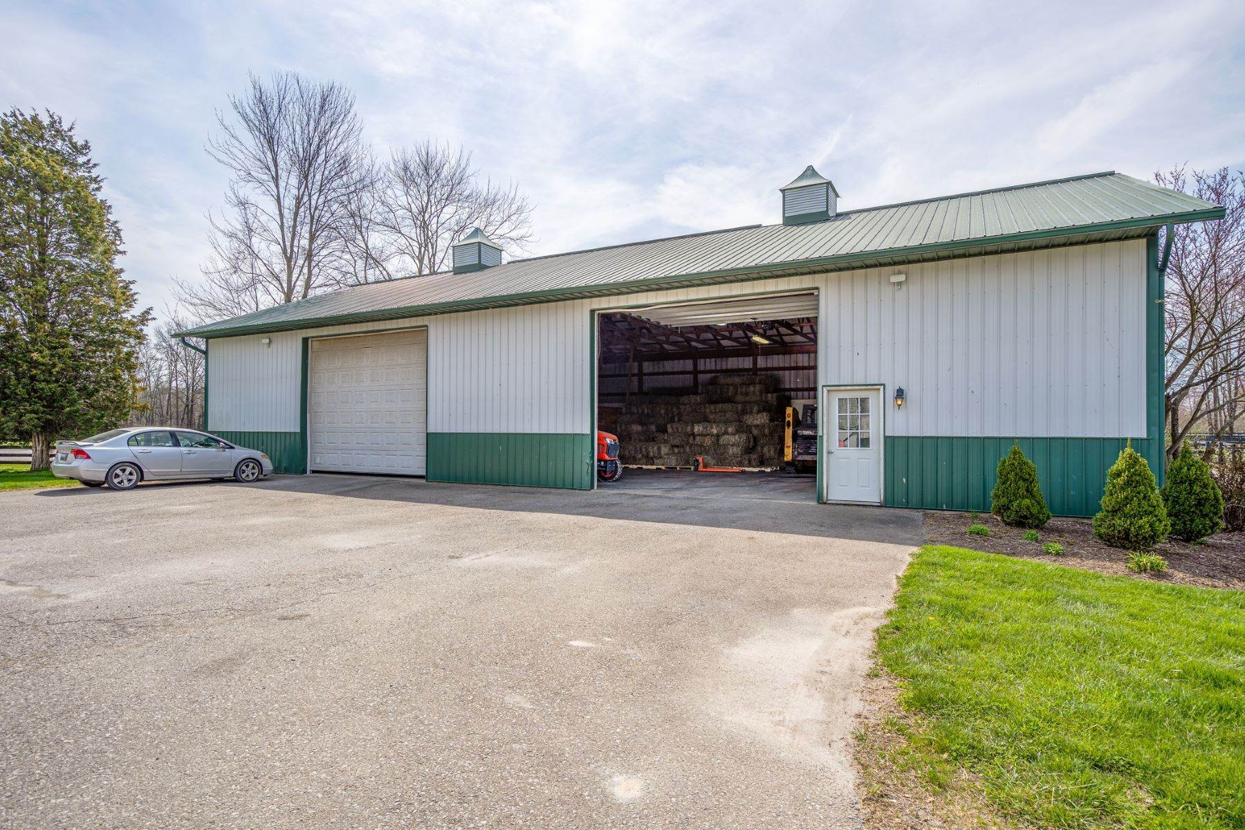 25. Farm and Ranch Properties for Sale at 6300 Newtonsville Road, Pleasant Plain, OH 45162 6300 Newtonsville Road Pleasant Plain, Ohio 45162 United States