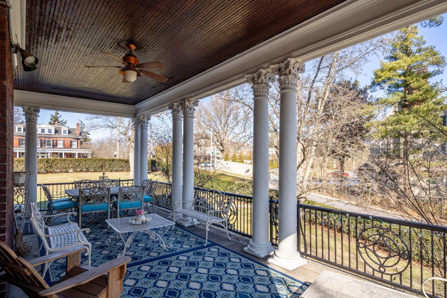 42. Single Family Homes for Sale at 1865 Madison Road, Cincinnati, OH 45206 1865 Madison Road Cincinnati, Ohio 45206 United States
