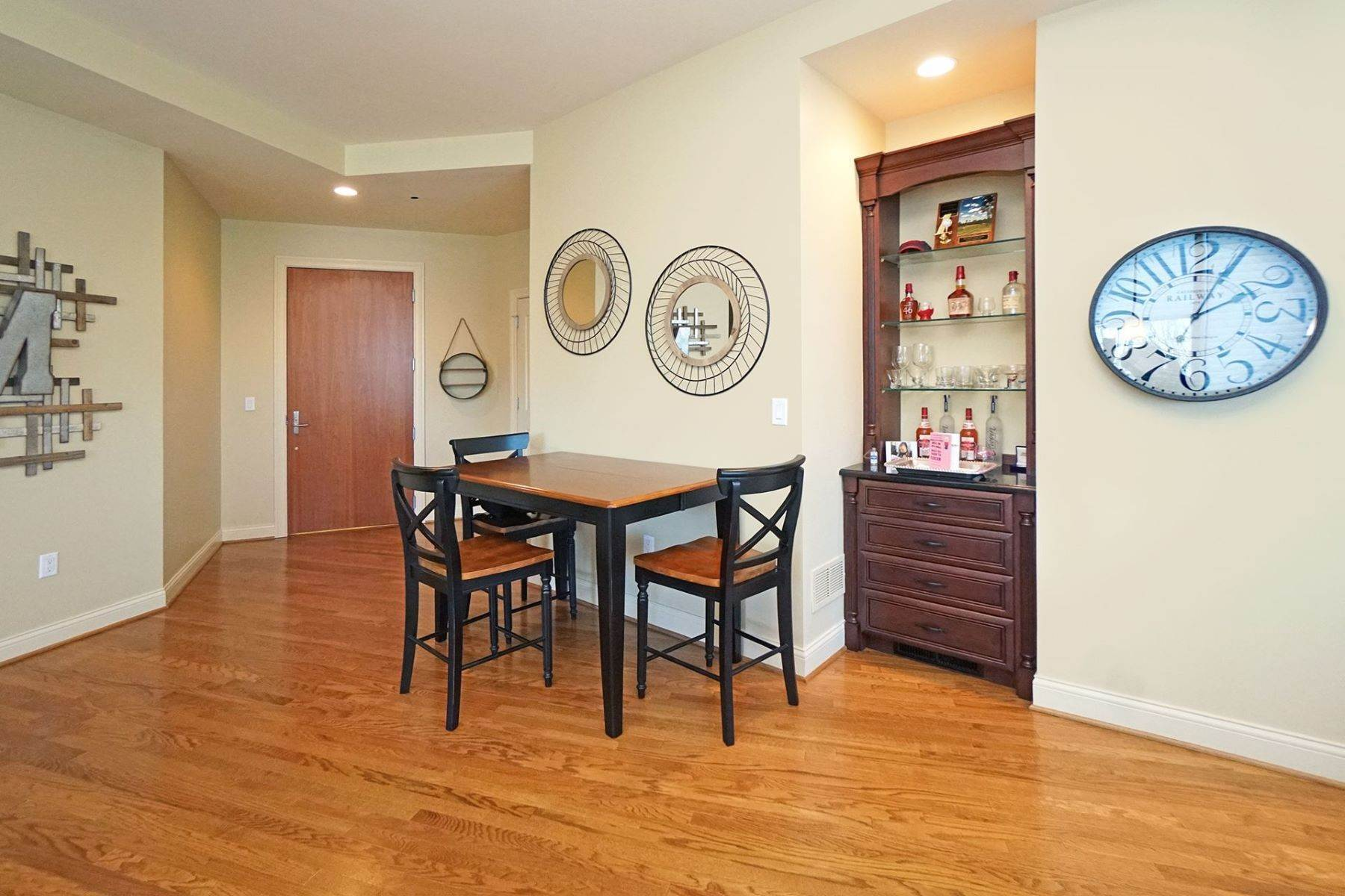 13. Condominiums for Sale at 1 Roebling, Covington, Ky, 41011 1 Roebling, Unit# 306 Covington, Kentucky 41011 United States