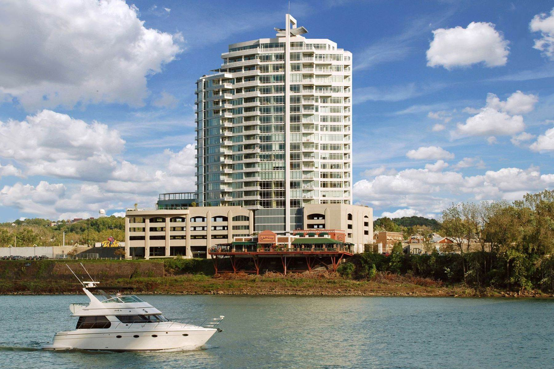 Condominiums for Sale at Luxurious High-Style Residence 400 Riverboat Row, #1203 Newport, Kentucky 41071 United States